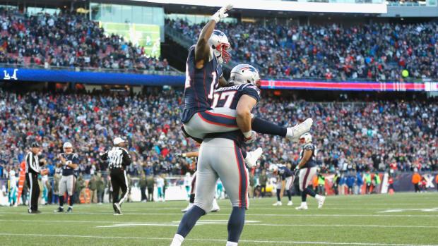 rob-gronkowski-touchdown-celebration-patriots.jpg