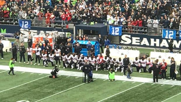 houston-texans-kneel-national-anthem.jpg