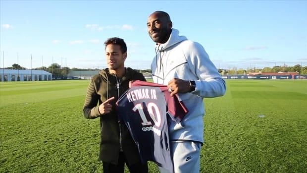 Kobe Bryant Brings 'Mamba Mentality' to PSG - IMAGE