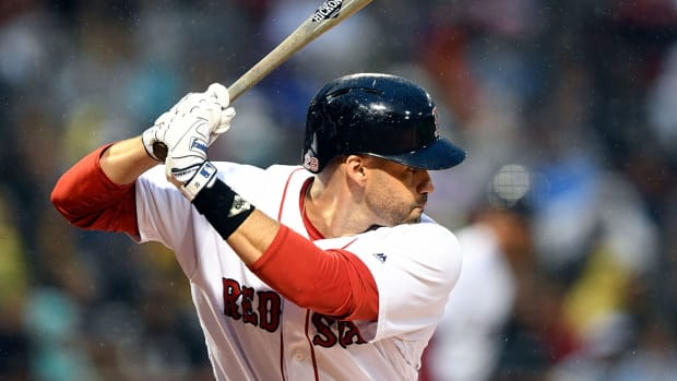 jd-martinez-not-opting-out-contract-red-sox