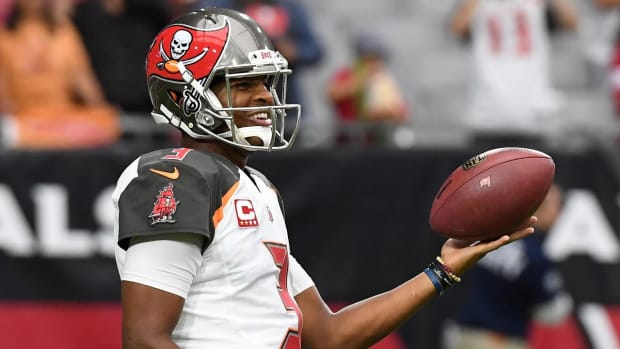 Report: Jameis Winston Suffered AC Joint Sprain vs. Cardinals - IMAGE