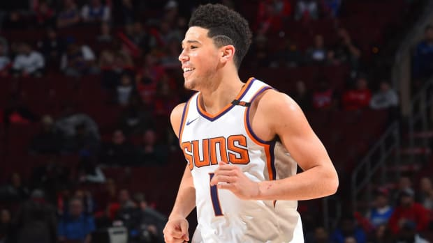 Devin Booker Out Two to Three Weeks With Strained Left Adductor in Groin - IMAGE
