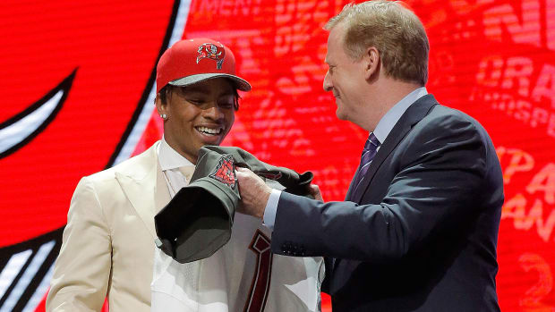 draft-season-vernon-hargreaves-roger-goodell.jpg