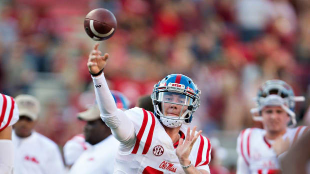 Shea Patterson Plans Official Visit to Michigan As Ole Miss Players Seek Transfers - IMAGE
