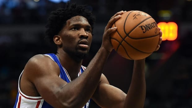 Report: Sixers' Joel Embiid 'very likely' to have knee surgery IMAGE