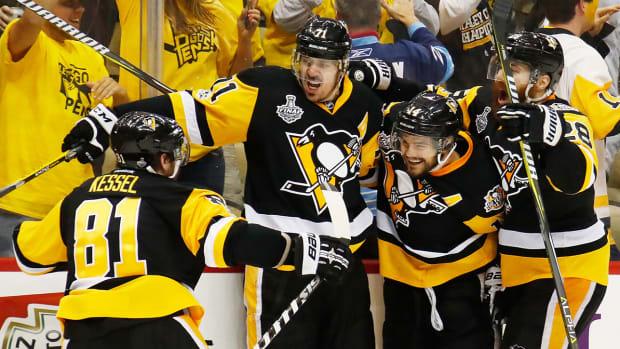 penguins-celebrate-game2-scf-1300.jpg