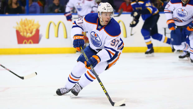 connor-mcdavid-oilers-klutho-nhl-1300.jpg