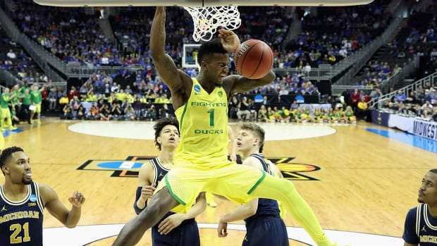 Oregon headed to Elite 8 after beating Michigan--IMAGE