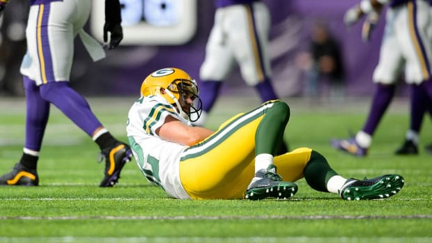 Aaron Rodgers After Surgery: Comeback Starts Now - IMAGE