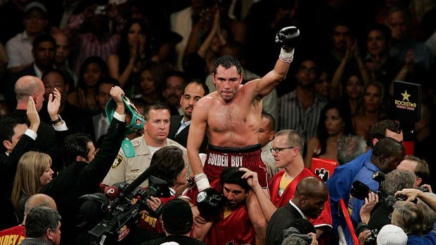 Oscar De La Hoya arrested for DUI in California - IMAGE