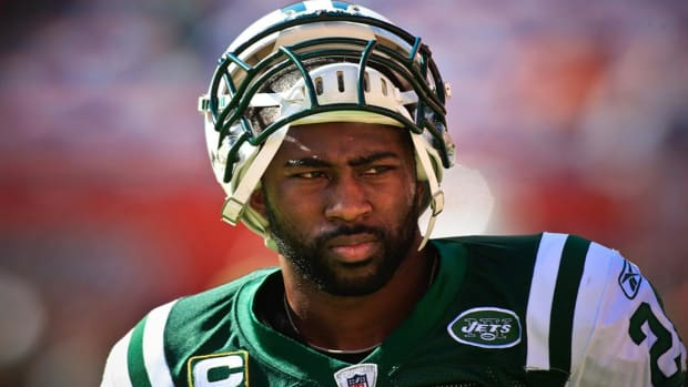 Jets CB Darrelle Revis reportedly involved in altercation IMAGE