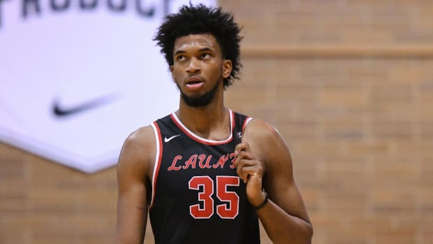 Marvin Bagley III Commits to Duke, Aims to Play This Season - IMAGE
