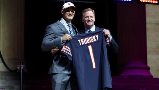 mitchell-trubisky-roger-goodell-650-362.png