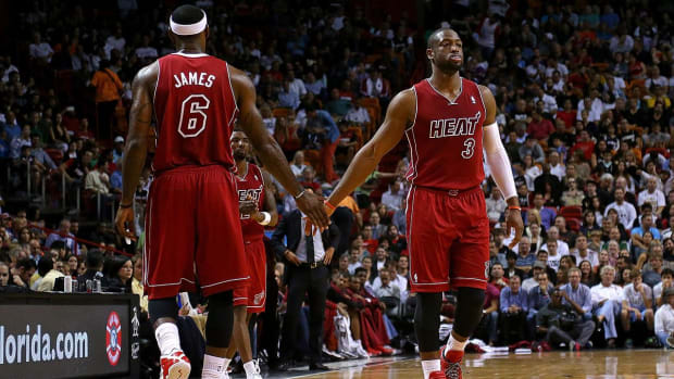 Dwyane Wade Confirms He's Signing With the Cavs in Twitter Post - IMAGE