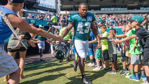 Report: Eagles RB Darren Sproles Set For Surgery on Broken Arm and Torn ACL - IMAGE