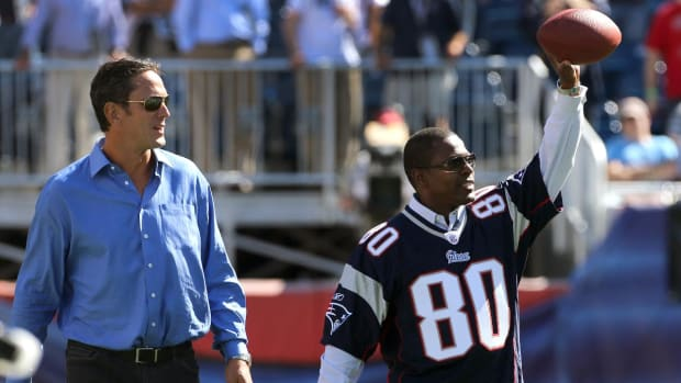 Former Patriots Wide Receiver Troy Brown Has a Message For Donald Trump - IMAGE