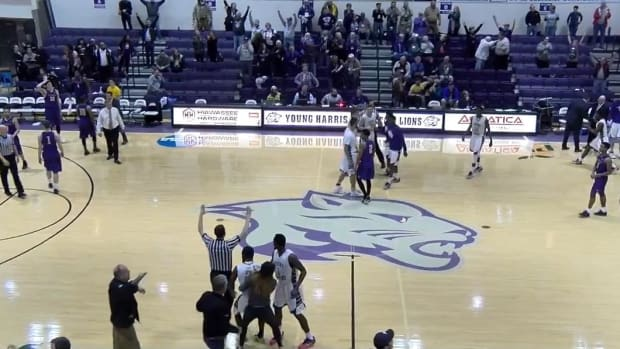 Announcer has come-to-Jesus moment after 70-foot buzzer-beater  IMAGE
