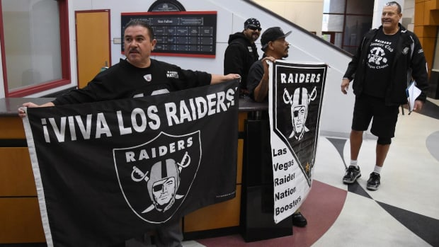 Sheldon Adelson withdraws $650 million investment in Las Vegas Raiders stadium - IMAGE