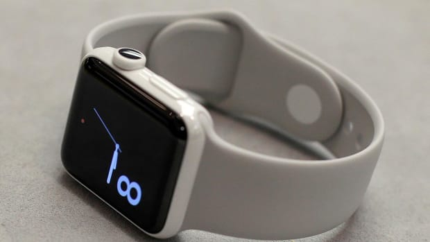 Yankees Accuse Red Sox of Using Apple Watch to Steal Signs--IMAGE