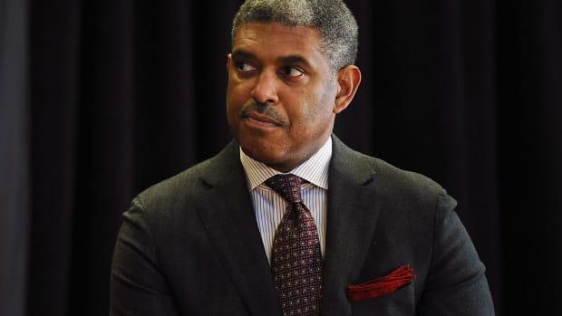 Report: Knicks to make Steve Mills president of basketball operations IMAGE