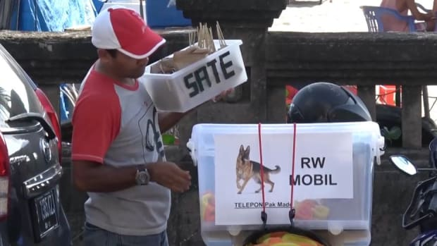 bali-street-vendors-kill-dogs-sell-meat-tourists.jpg