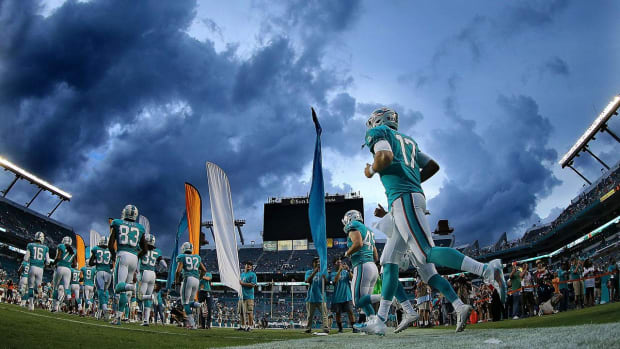 NFL Refuses Dolphins' Request to Move London Game to Miami--IMAGE