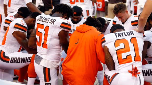 cleveland-browns-kneeling-for-anthem.jpg