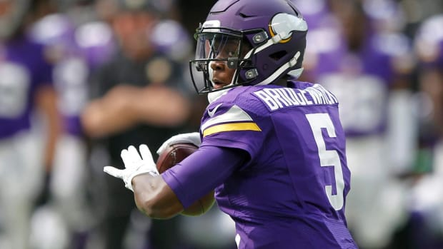 Report: Teddy Bridgewater likely to miss 2017 season - IMAGE