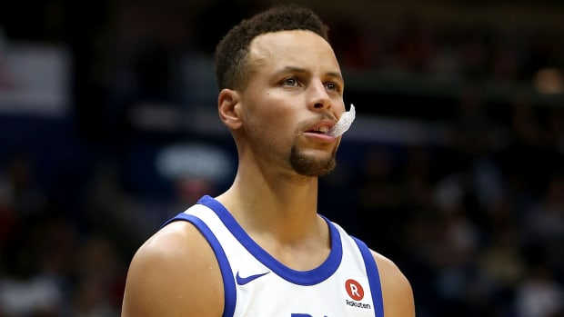 warriors-stephen-curry-mouthguard-throw-fine-no-suspension.jpg