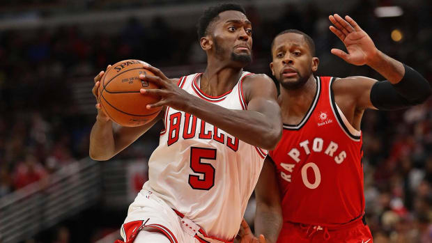Bulls' Bobby Portis Issues Apology For Altercation With Mirotic--IMAGE