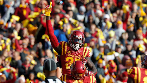 Iowa State Knocks Off No. 4 TCU in Ames--IMAGE