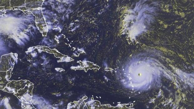 dolphins-buccaneers-postponed-week-11-hurricane-irma.jpg