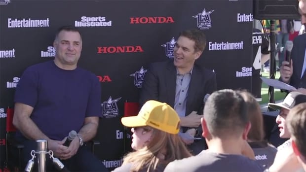 lindros-robitaille-hockey-goes-hollywood-nhl100.jpg