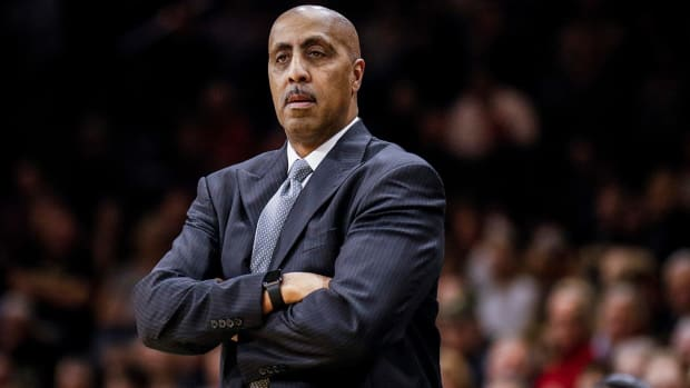 Washington fires head coach Lorenzo Romar--IMAGE