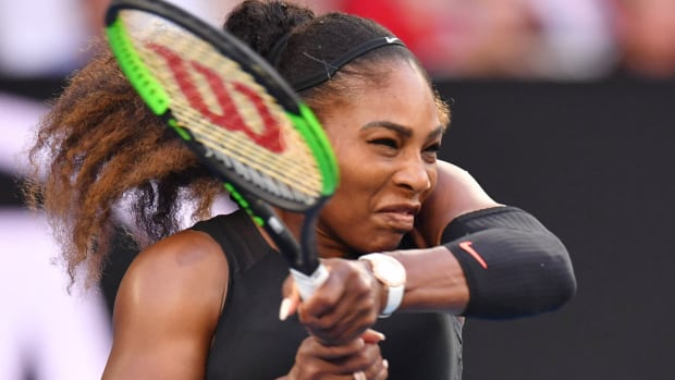 serena-williams-playing-pregnant.jpg