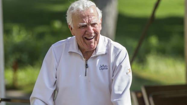 Former Notre Dame Coach Ara Parseghian Dies at 94 - IMAGE