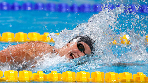 katie-ledecky-loses-200m-freestyle-world-championships.jpg