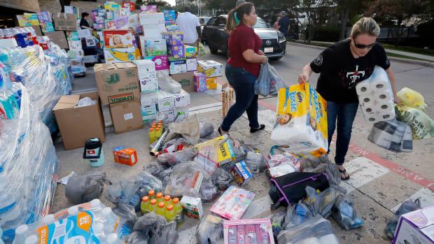sports-world-hurricane-harvey-donations.jpg