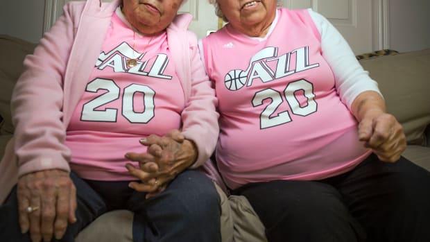 pink-jerseys.jpg
