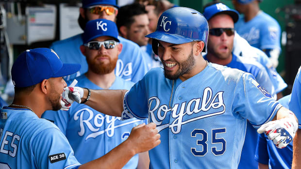 trade-deadline-report-royals.jpg