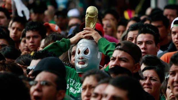 mexico_fans0616.jpg