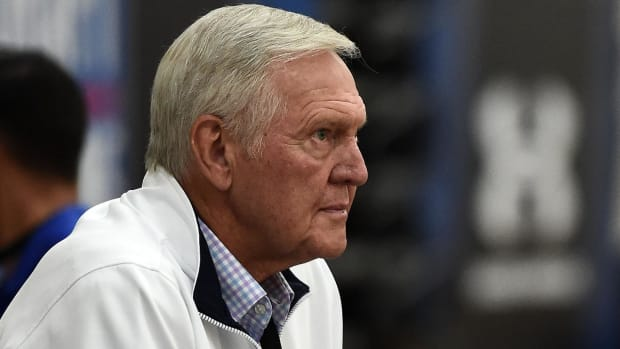 Jerry West leaving Warriors to join the Clippers IMAGE