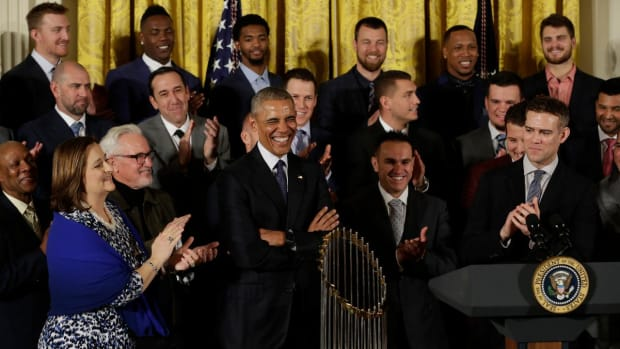 President Obama welcomed Cubs to White House with jokes - IMAGE
