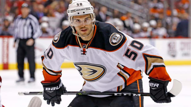 Antoine Vermette suspended 10 games for physical abuse of official - IMAGE