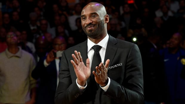 kobe-bryant-jersey-retirement-lakers-half-time.jpg
