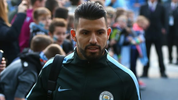 aguero_faces_long_layoff_after_injury_in_car_accident.jpg