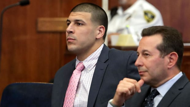 Aaron Hernandez's family to receive copies of his suicide notes - IMAGE