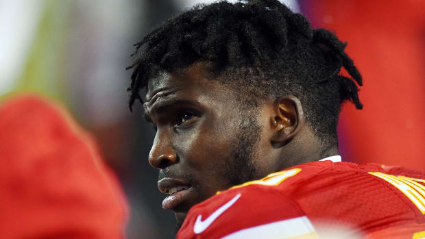 tyreek-hill-chiefs-domestic-violence-arrest-nfl-playoffs.jpg