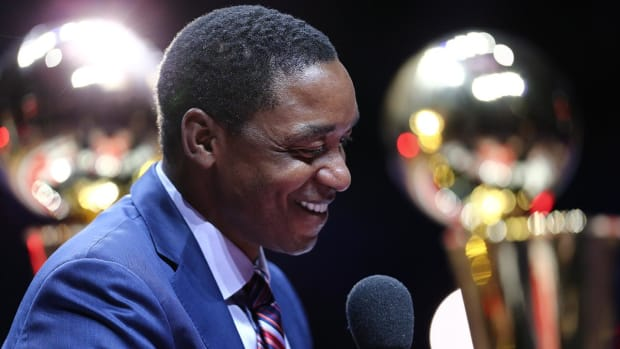 Isiah Thomas emerges as 'dark horse candidate' to replace Phil Jackson--IMAGE