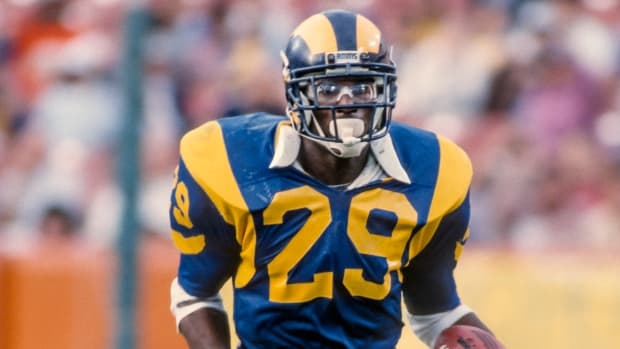 eric-dickerson-rams-contract-one-day-retire.jpg